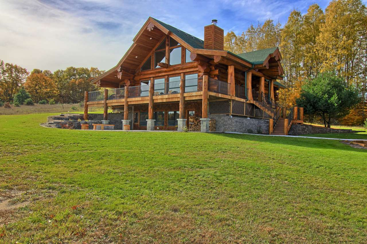 pioneer log homes for sale pioneer log homes of bc. Black Bedroom Furniture Sets. Home Design Ideas
