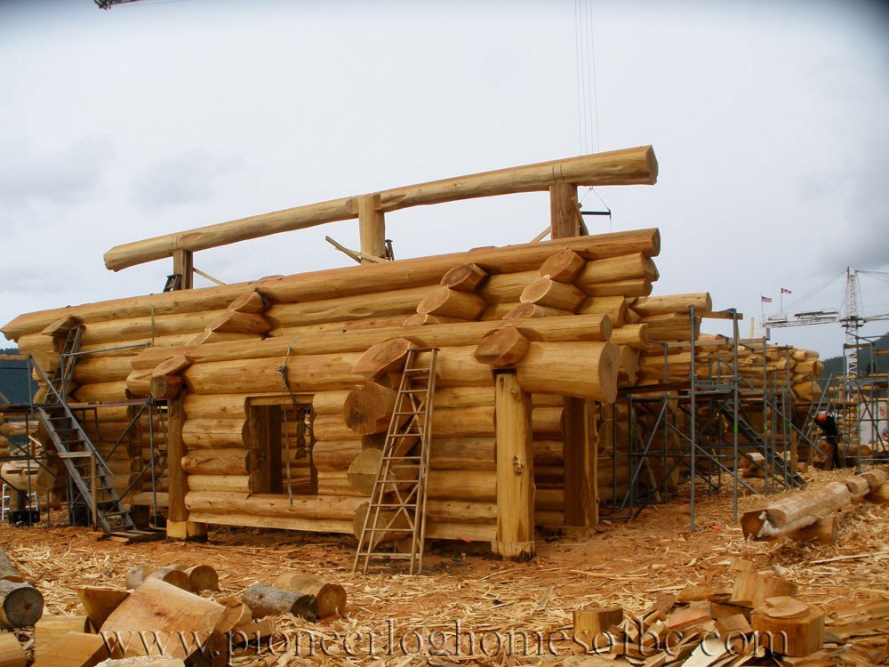 eagle brae highland custom built log homes pioneer log. Black Bedroom Furniture Sets. Home Design Ideas
