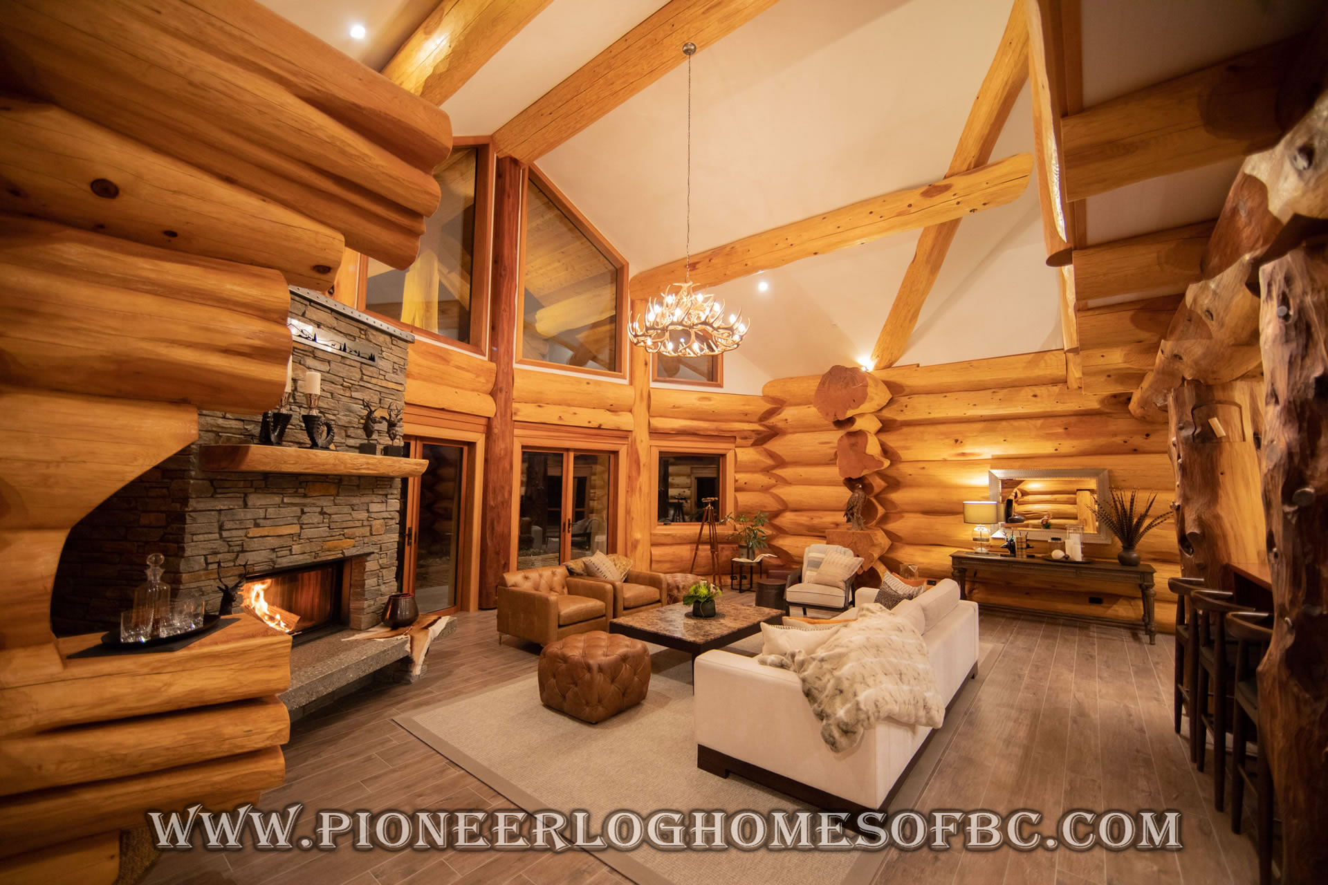 Log Cabin Style Living Room Loft Designs Bc Canada