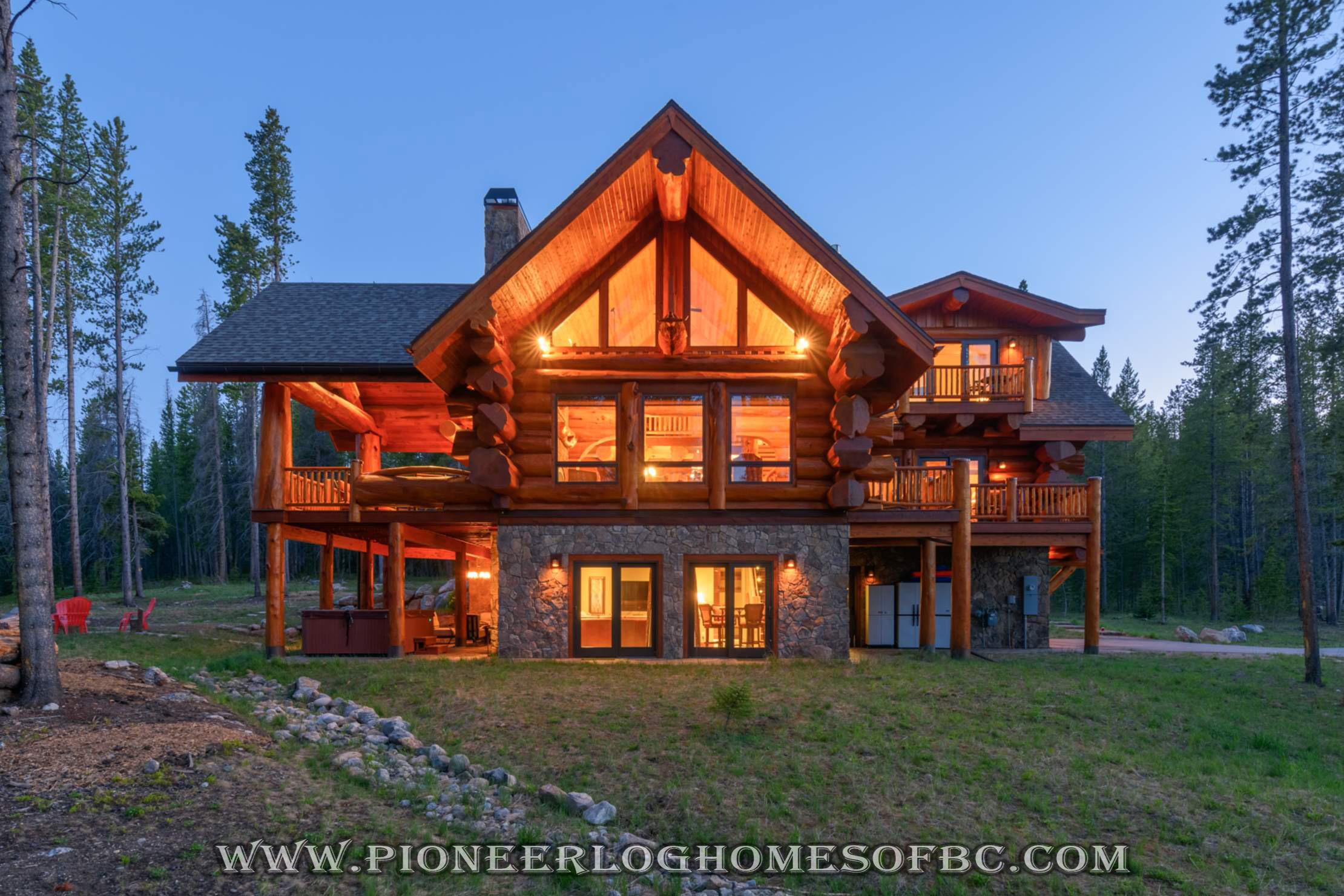 Custom Log Homes Picture Gallery | BC, Canada
